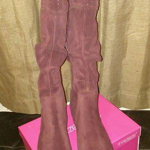 Women's size 10 Burgandy boots
